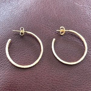 Jewelry - Rose gold vintage hoops